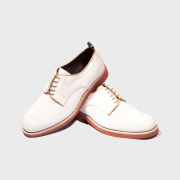 La chaussure Buck Blanche